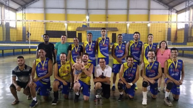 Voleibol Masculino Adulto é Campeão da Série Bronze da APV